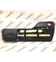 Комплект лопата, топор в крепежном футляре для Шеви-Нивы (Niva Chevrolet)